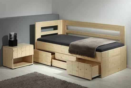 Nábytek z masivu, Úložný prostor je určen pro postele Hanny.