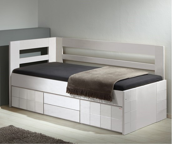 Nábytek z masivu, Úložný prostor je určen pro postele Hanny bílá
